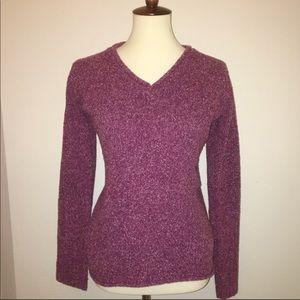 Columbia • Textured v neck sweater